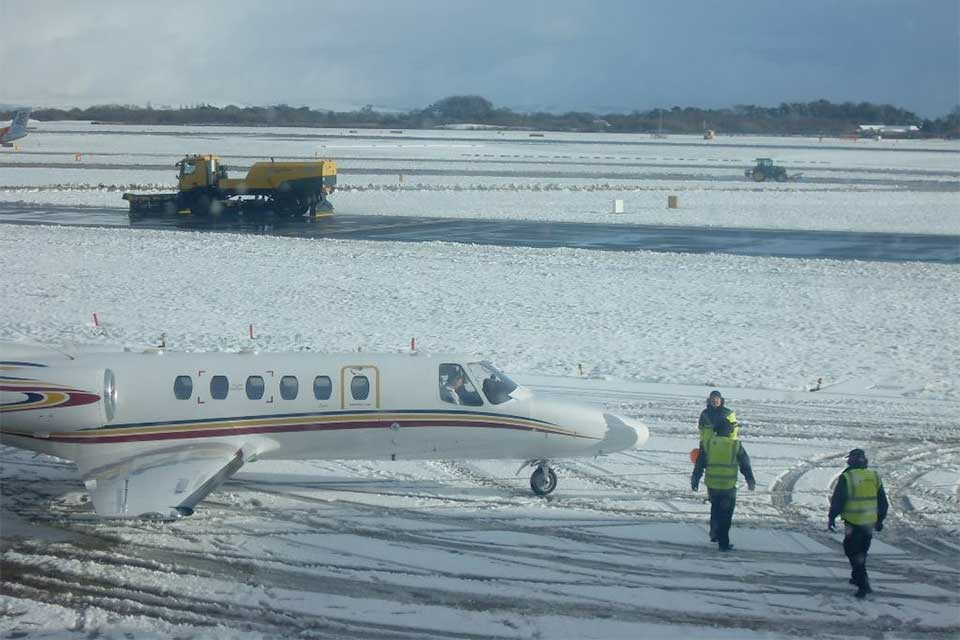 Citation Bravo preparing for departure from Manchester during the winter