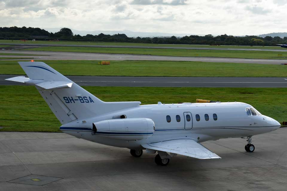 Private Jet Charter - Hawker 750