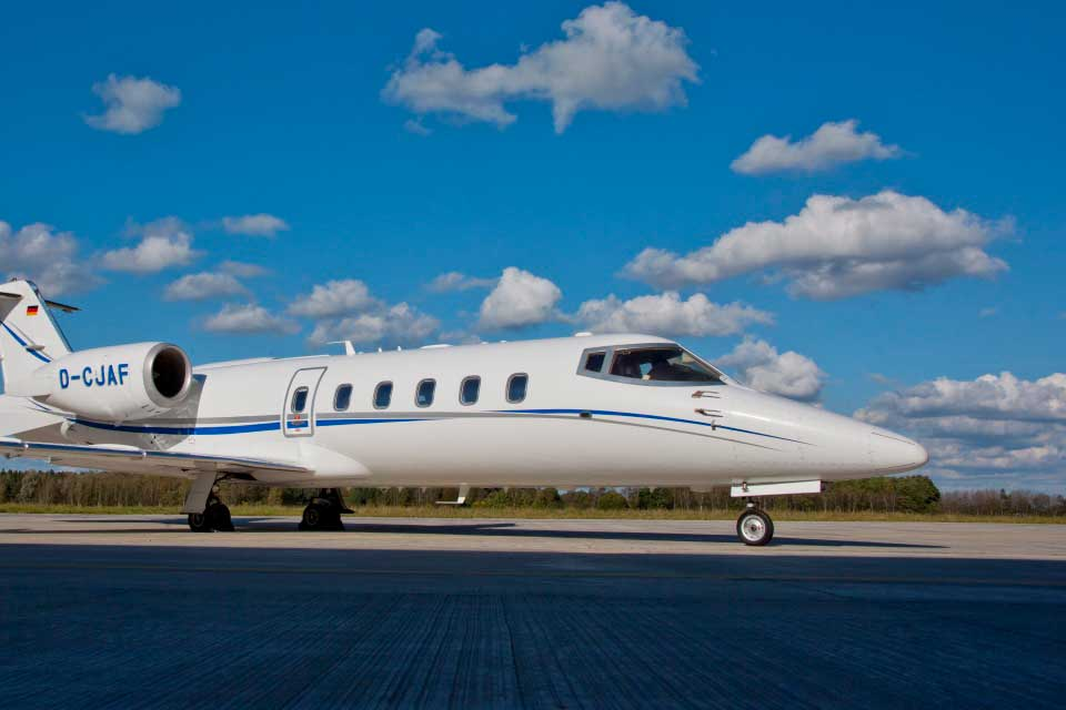 Private Jet Charter - Bombardier Learjet 60Xr