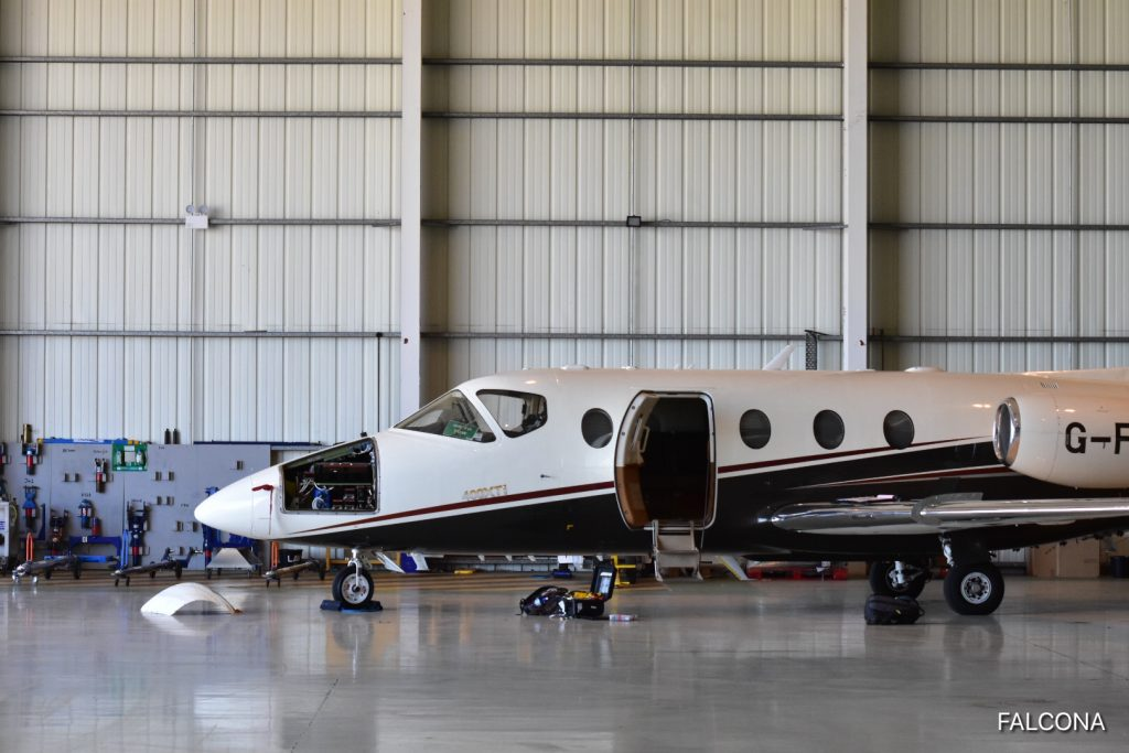 nextant 400xti private jet manchester airport