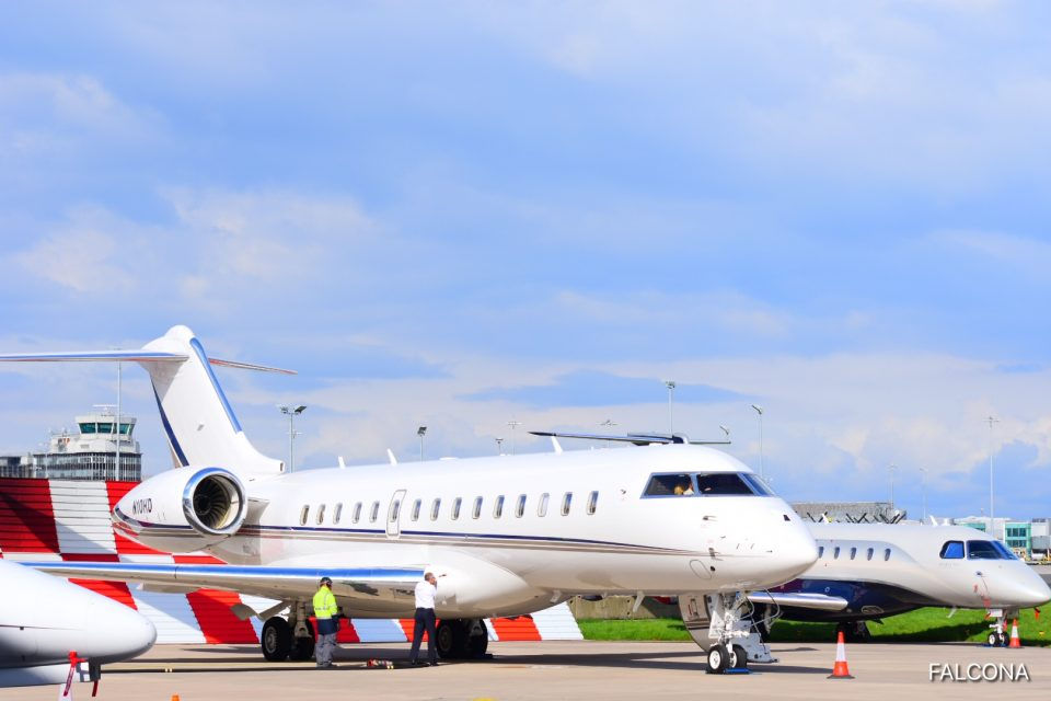 Bombardier Global 6000 at manchester airport