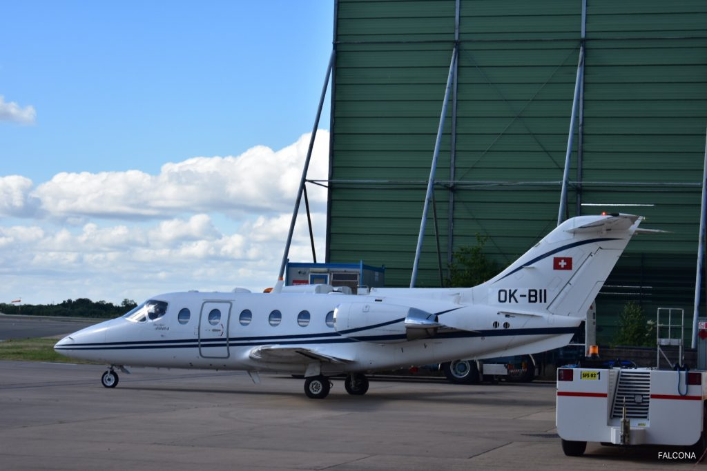 Beechjet 400A on the ramp at Manchester Airport