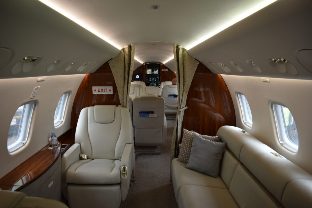 embraer legacy 650 private jet interior