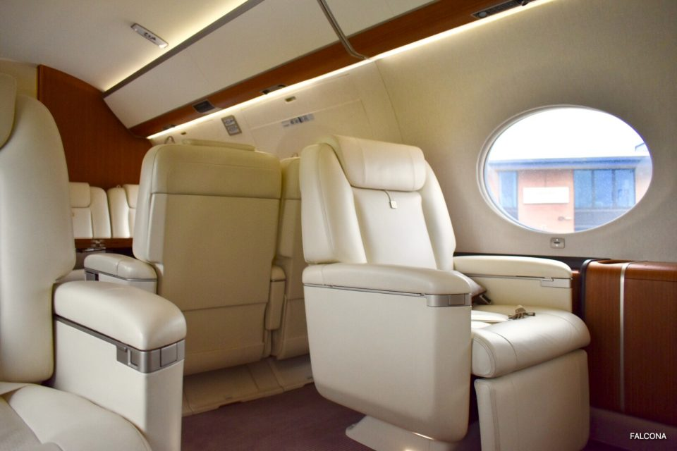 Gulfstream G650ER CABIN INTERIOR LEATHER SEATS