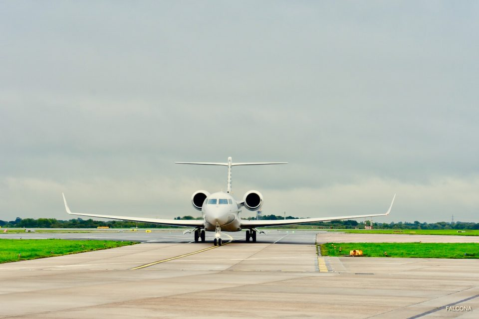 gulfstream g650er private jet in manchester airport