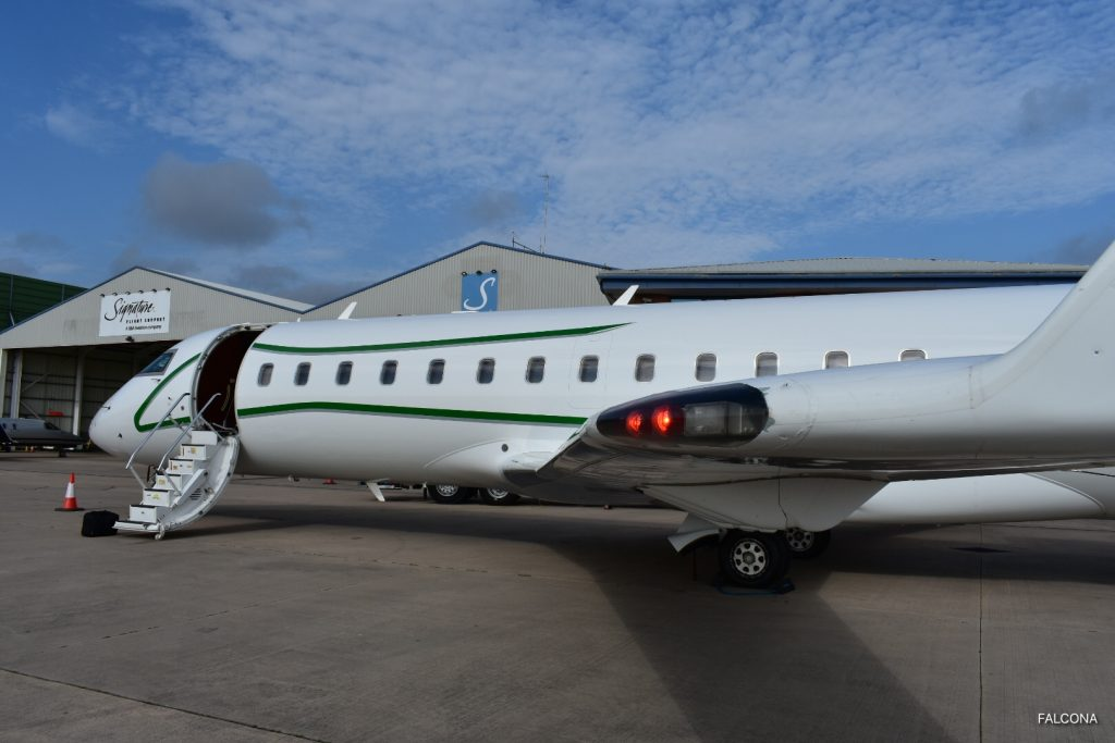 Bombardier Challenger 850 at manchester airport