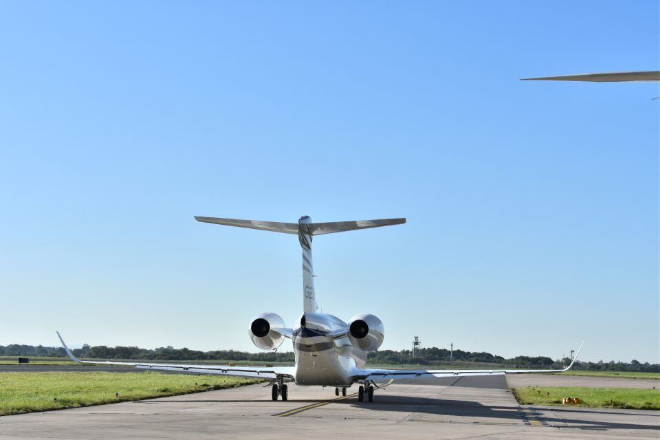 Gulfstream G280 wingspan, with winglets swept at 31 degrees and a simple Fowler style flap on the trailing edge}