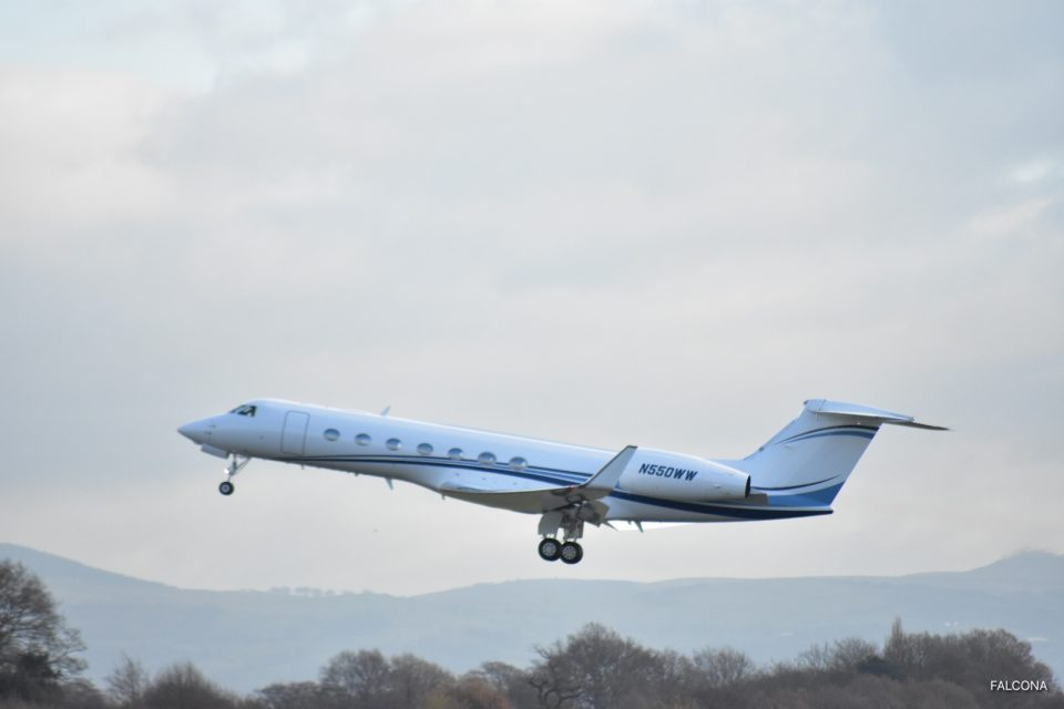 Gulfstream G550 TAKE OFF