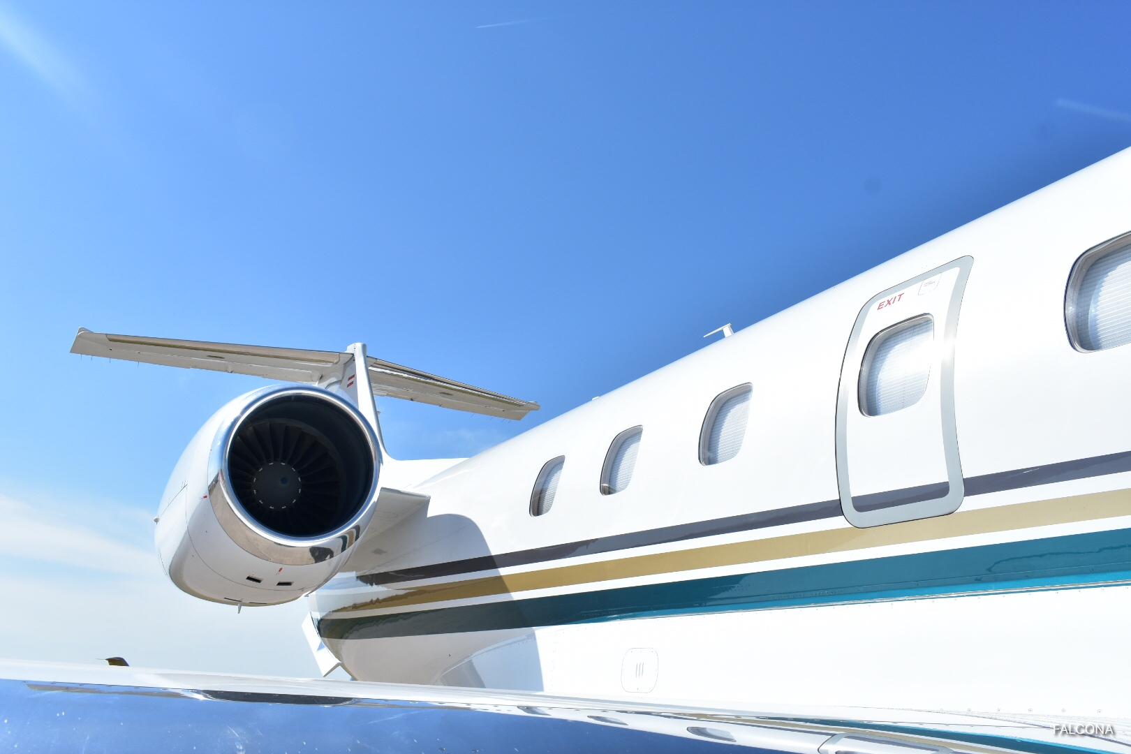 embraer legacy 650 private jet engine