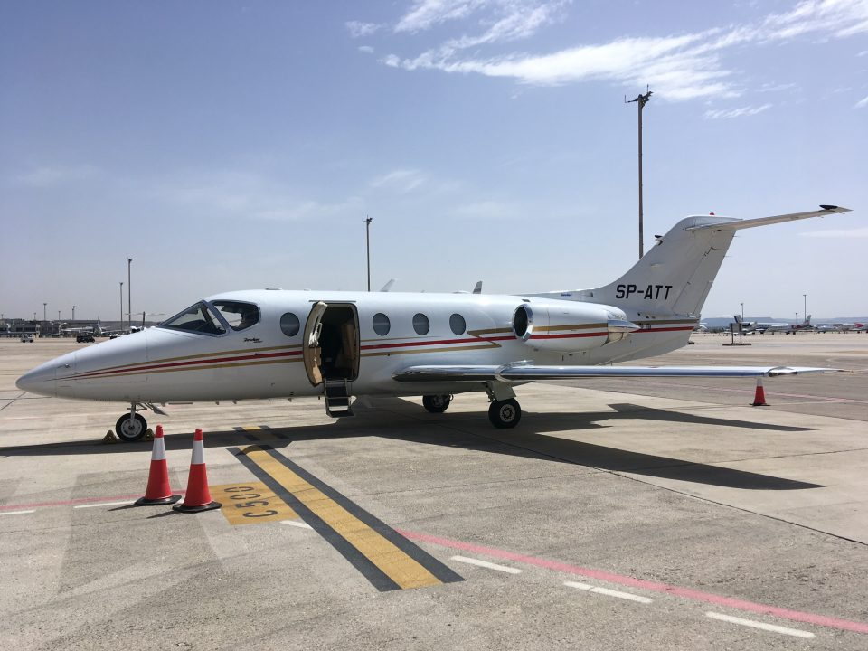 Madrid Barajas Airport hawker 400xp private jet