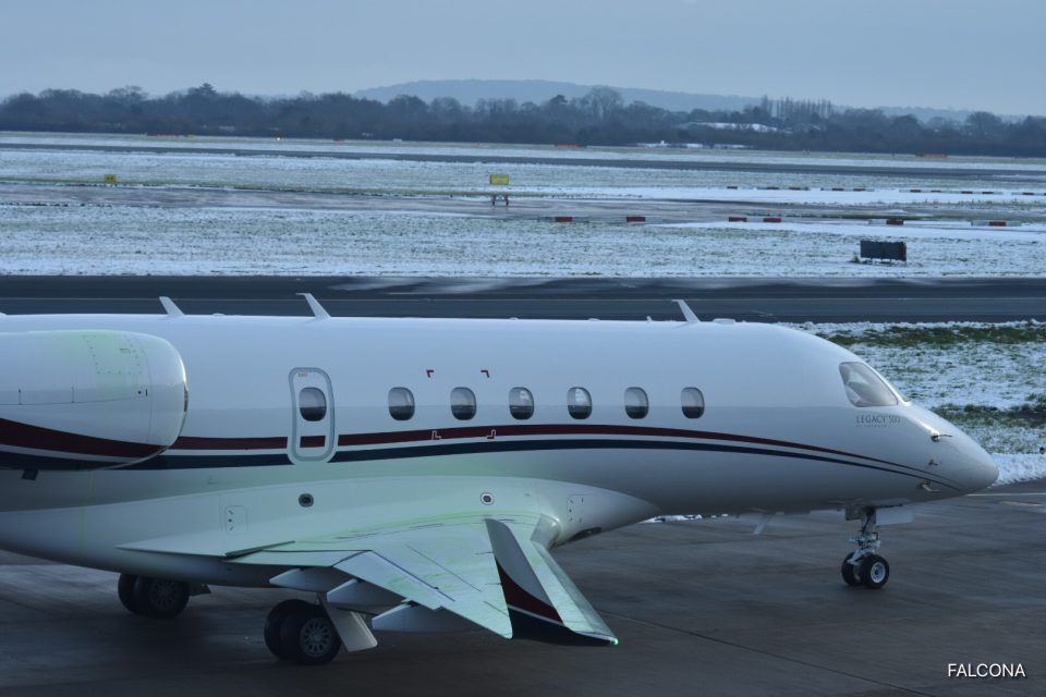 Embraer Legacy 500 de-icing at manchester airport