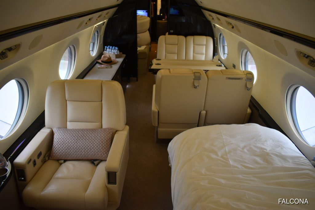 Gulfstream G550 INTERIOR WITH BED