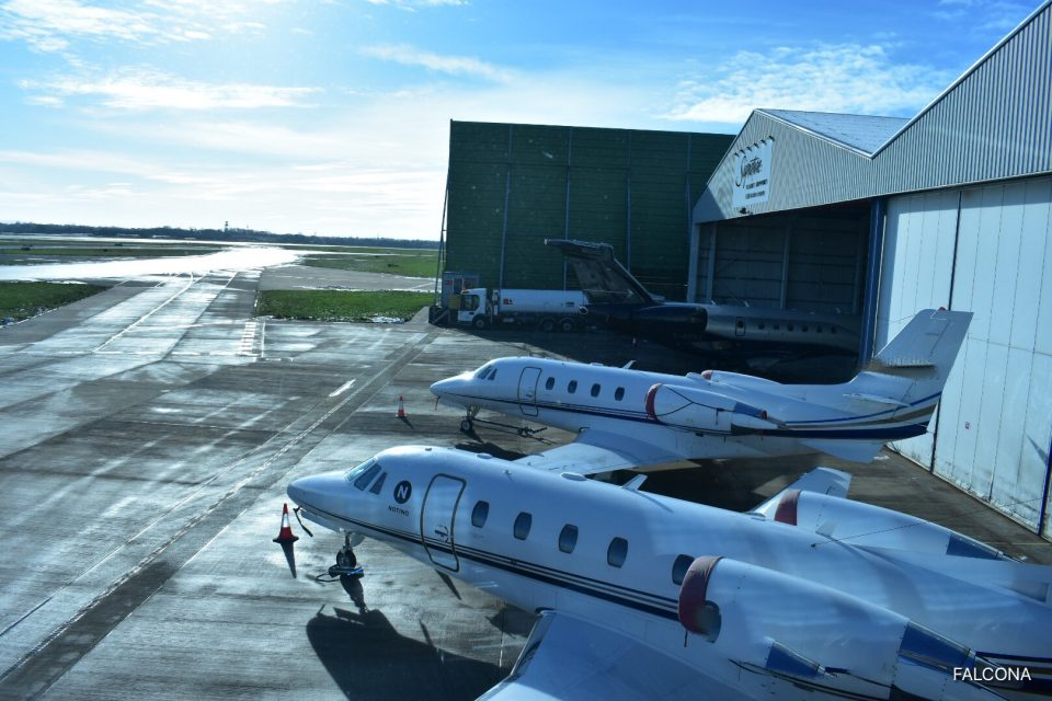 Citation XLS & Embraer Legacy 500 at manchester airport