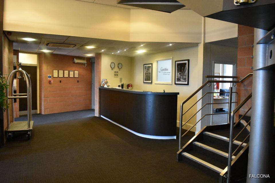 Private jet reception area manchester airport