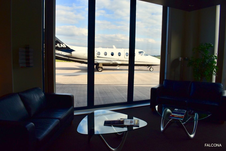 VIP Lounge at manchester airport private jet