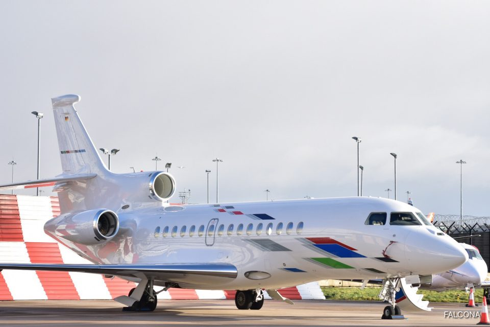 Dassault Falcon 7X AT Manchester Airport