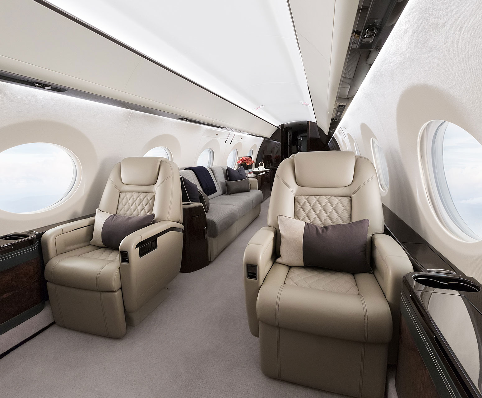 G500 cabin leather seats