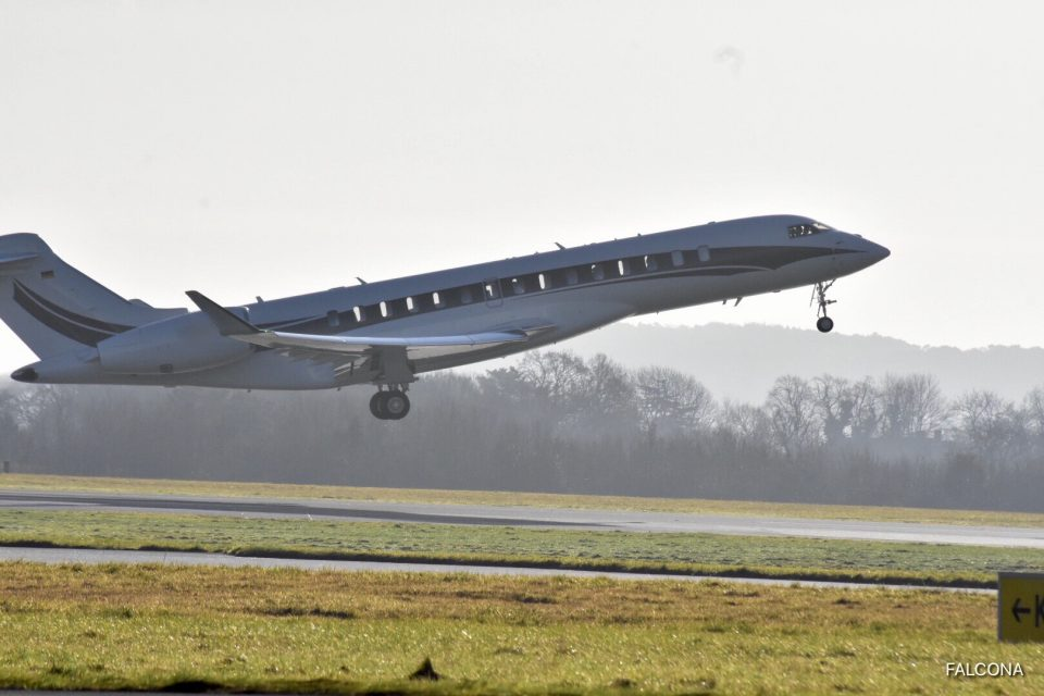Bombardier Global 7500 take off at Manchester Airport