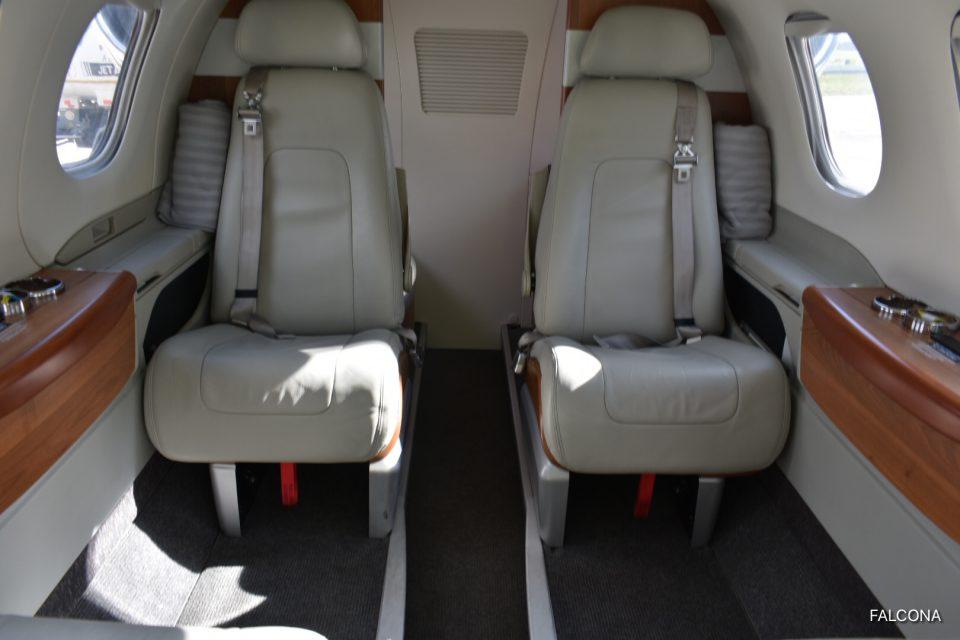 Embraer Phenom 100 cabin interior